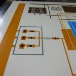 グラフィックパネルのシルクスクリーン印刷 ―グランド印刷株式会社―