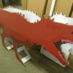 ダンボールで作る恐竜ディスプレイ。